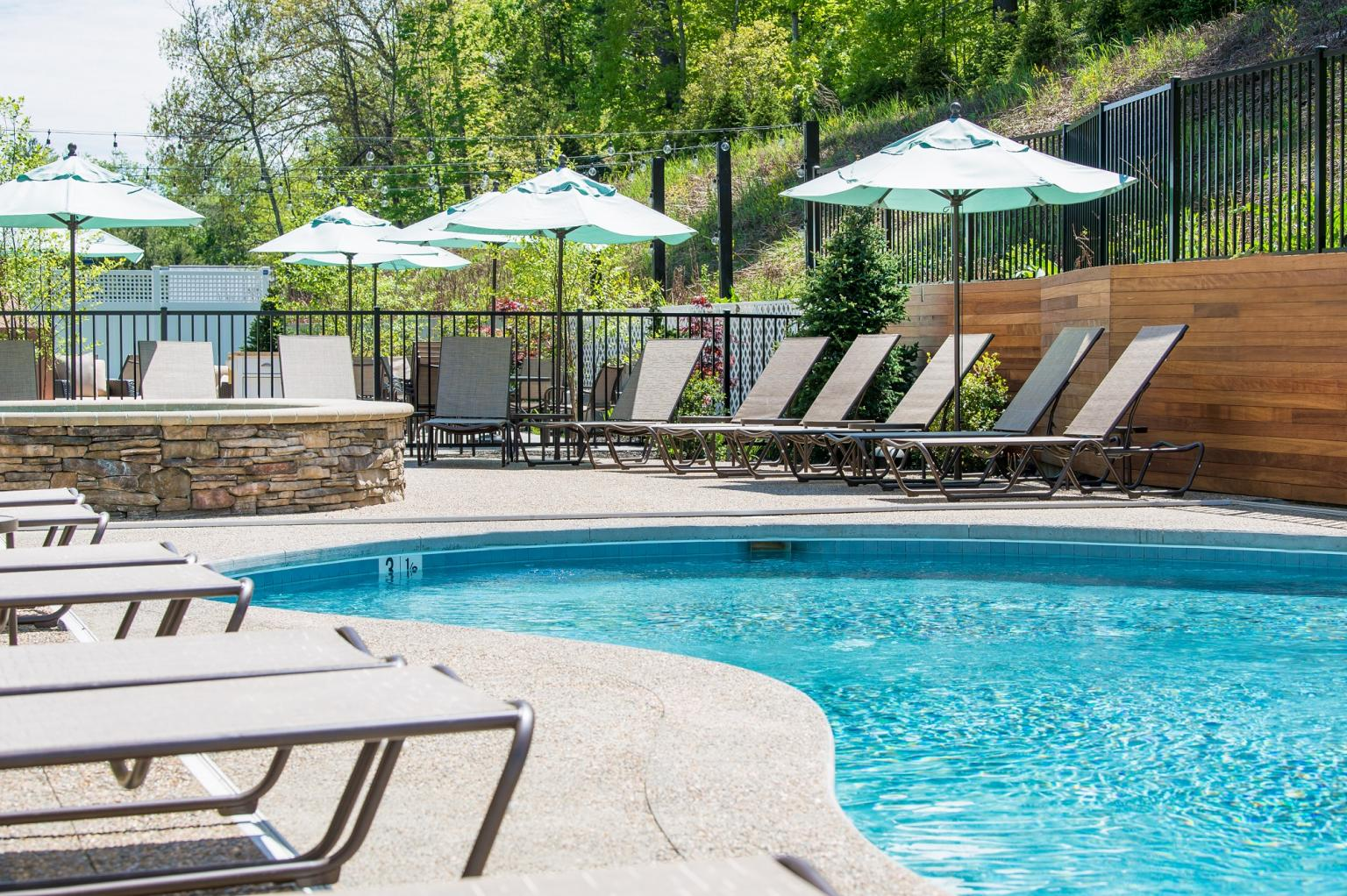 Luxury Lodging In Bedford Nh New England Vacations Getaways