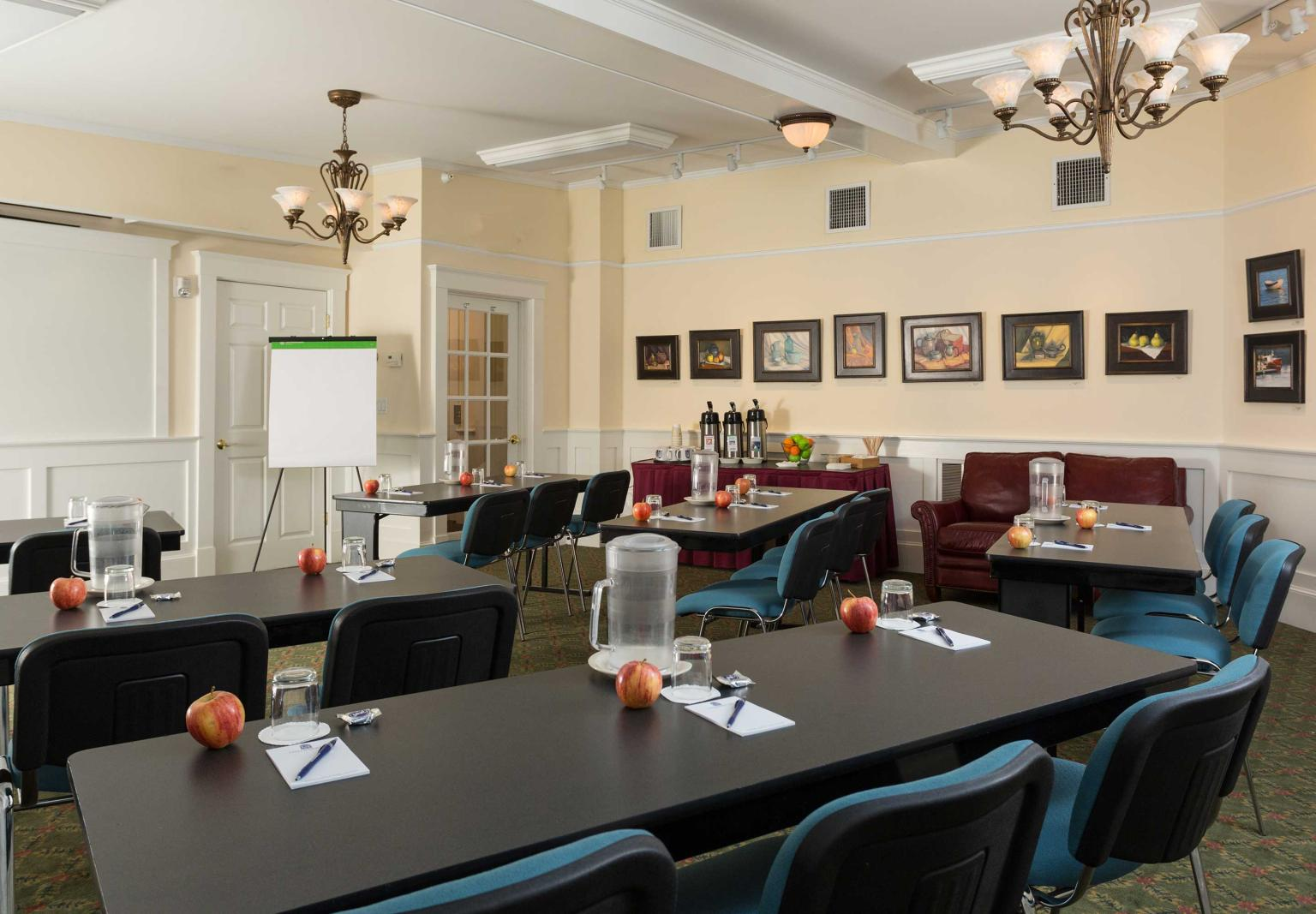 Lord Camden Inn Conference Room