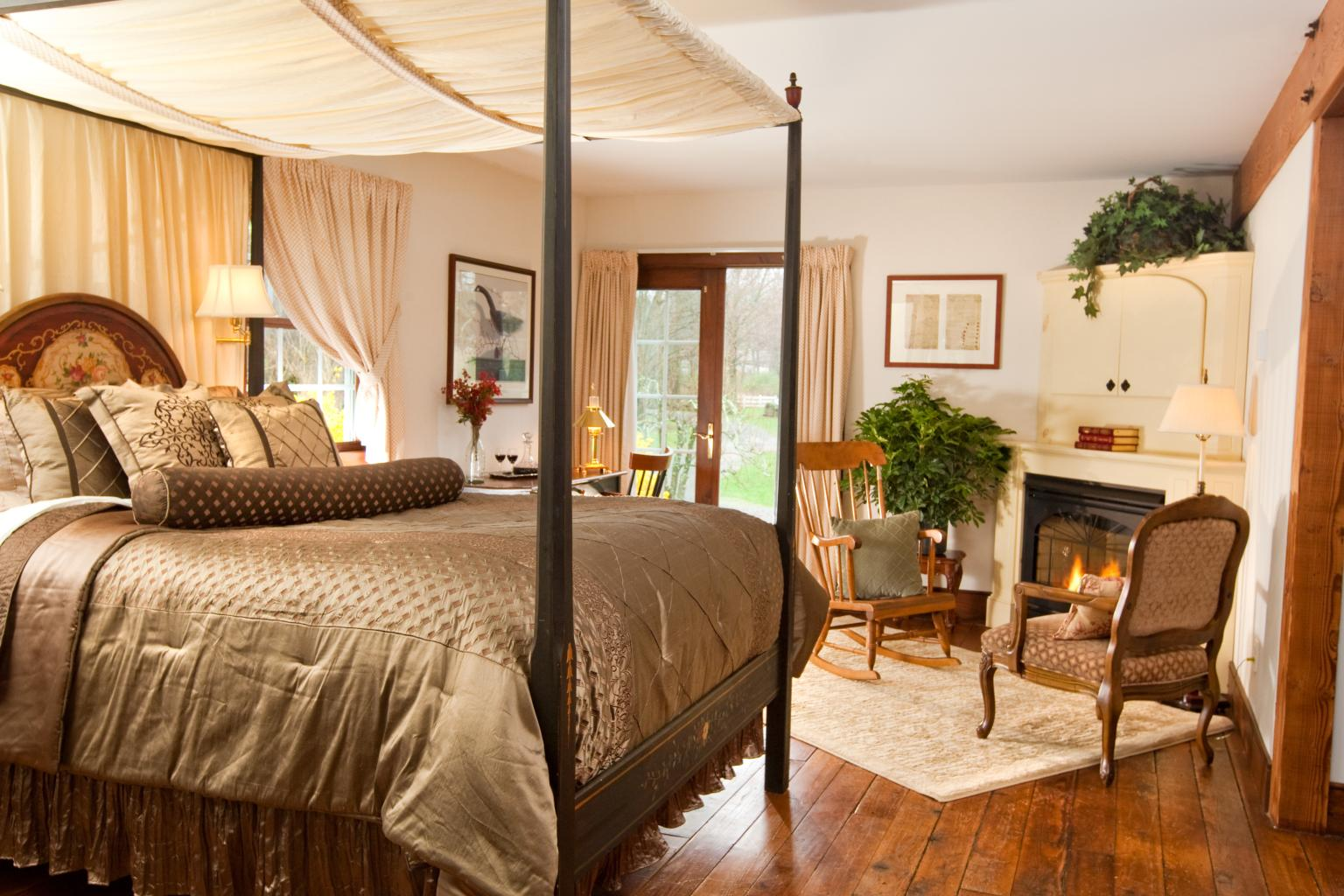 Stonecroft Country Inn - Guest Room