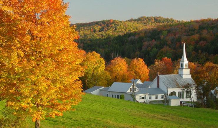 Stowe, VT, kerk in de herfst